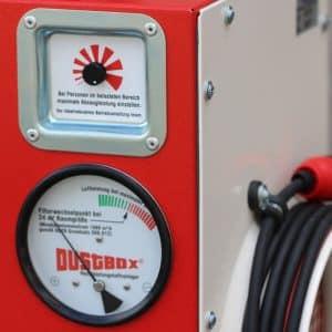 Drehzahlregelung und Manometer der DustBox 2000