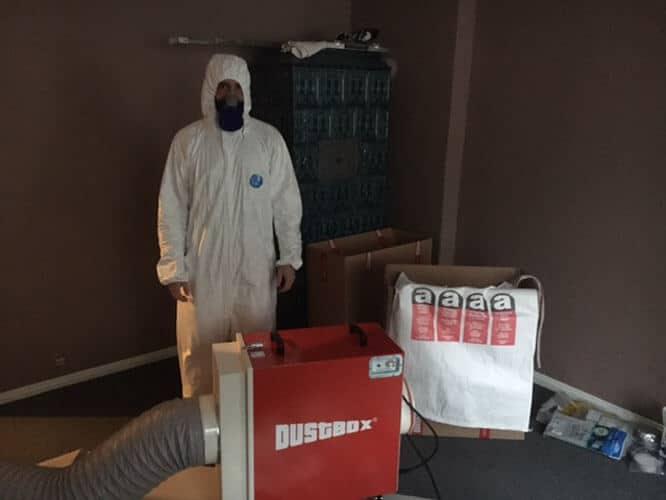 DustBox 2000 als Unterdruckhaltegerät für die Asbestasanierung